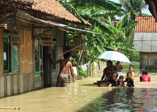 Cilacap Banjir, Ratusan Warga Mengungsi
