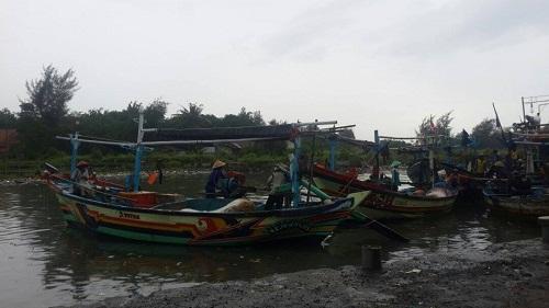 Setelah Dihentikan, Pencarian Korban Kapal Tenggelam di Alihkan Tepian Pantai