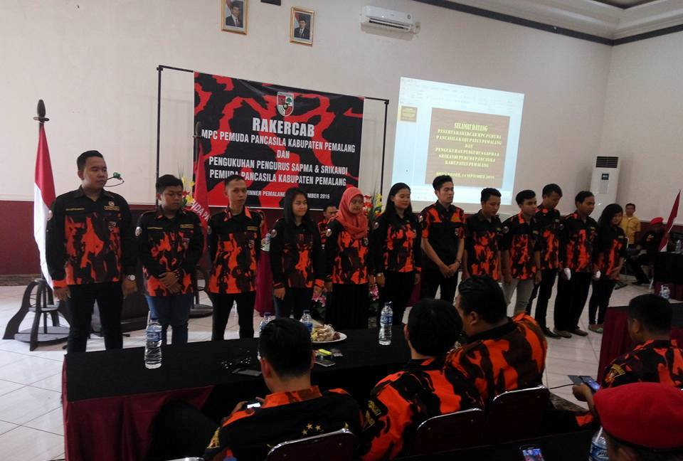 Prosesi Pelantikan Pengurus Sapma yang berlangsung di Aula Hotel Winner Rabu (14/9/16)