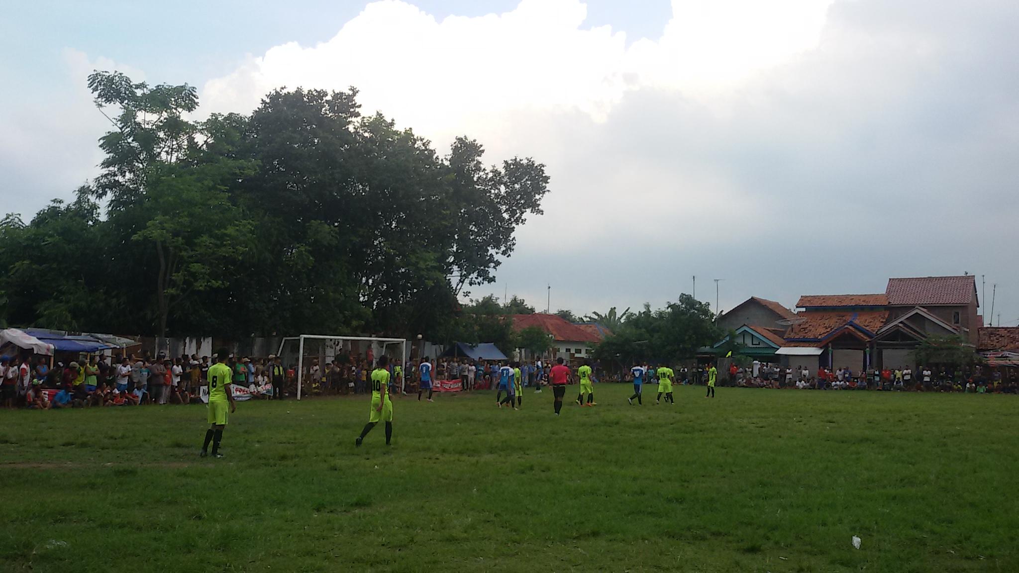 pertandingan bola Asemdoyong
