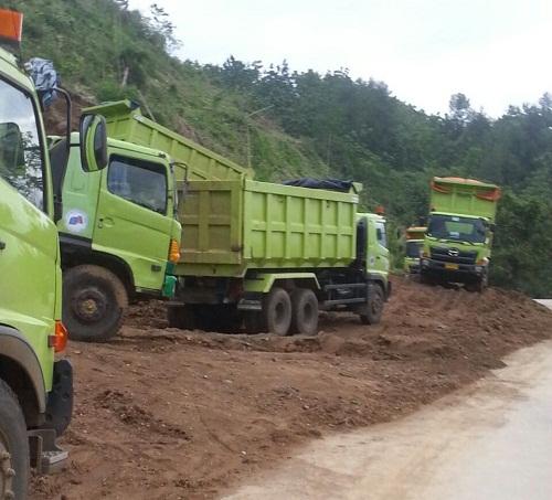 Panggalian tanah urug untuk jalan tol pemalang-batang di desa pedagung