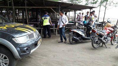 Polsek Petarukan Bubarkan Konvoi Kelulusan Pelajar di Nyamplung Sari