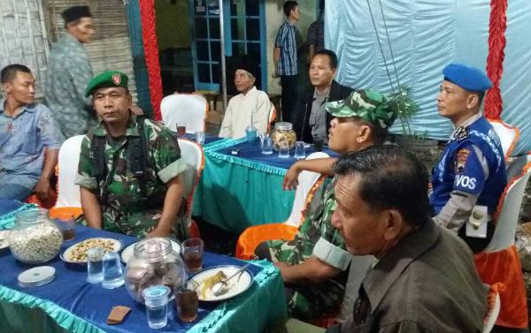 Polri dan TNI Kompak Amankan Dangdutan di Banglarangan, Ampelgading