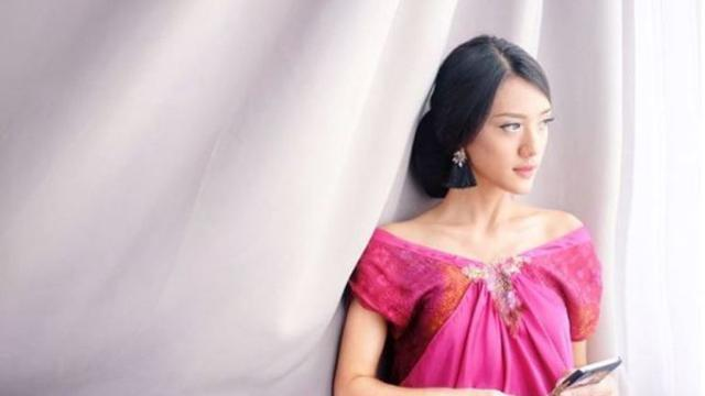 Anissa Aziza pasangan Raditya Dika