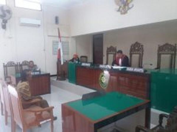 Alibi Warung Sembako, Namun Menyediakan Miras Didalamnya