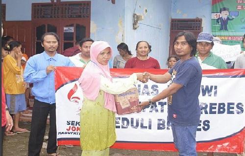 Ini Cara Seknas Jokowi Brebes Menyapa Warga Terdampak Bencana