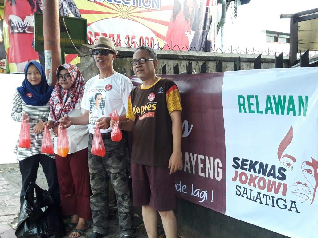 Ketua Seknas Jokowi Salatiga Bersama Para Relawan