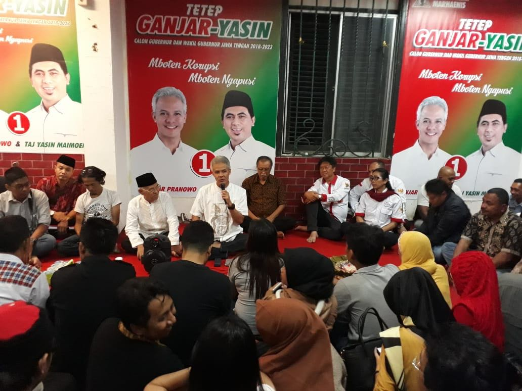 Ganjar Pranowo Bersama Para Relawan