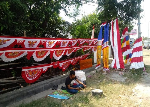 Jelang 17 Agustus, Pernak-Pernik Kemerdekaan Serbu Kota Pemalang