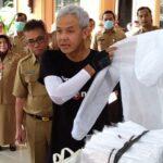 Demi Keselamatan Tenaga Medis Menjawab Kelangkaan APD, Begini Jurus Jitu Gubernur Ganjar