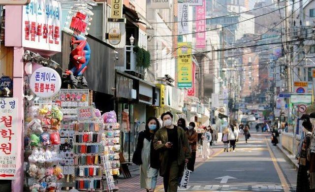 Di Korea Selatan Pembatasan Sosial Lebih Efektif Dibanding Lockdown. Ini Rahasianya!