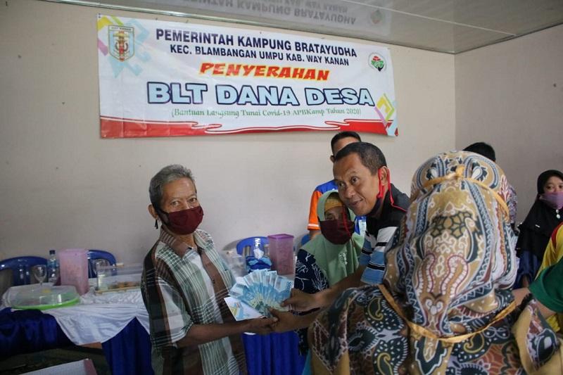 Pandemi Corona : Begini Cara Kakam Bratayudha, di Kabupaten Way Kanan Gunakan Dana Desanya