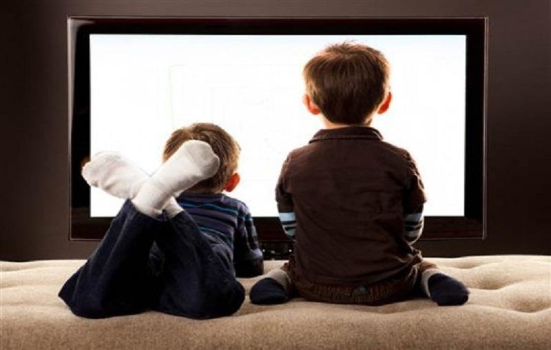 Nonton TV dan Jarang Sikat Gigi Dapat Memicu Terjadinya Kanker