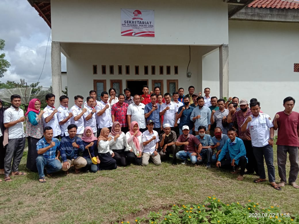 Relawan Bravo Lima Motori Pengembangan Wisata Curup Waykawat di Kabupaten Waykanan